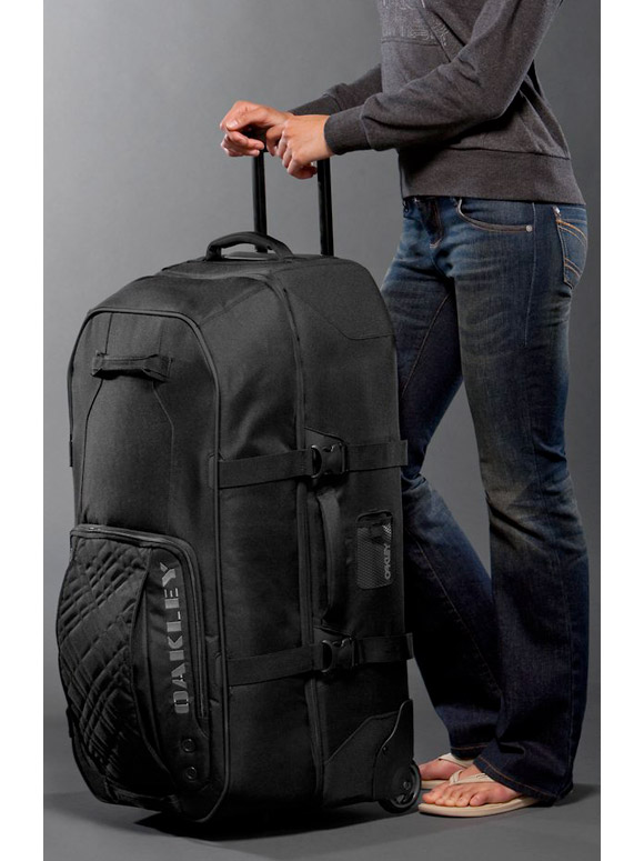 Allsnowmobilegear Com Oakley Large Roller Bag
