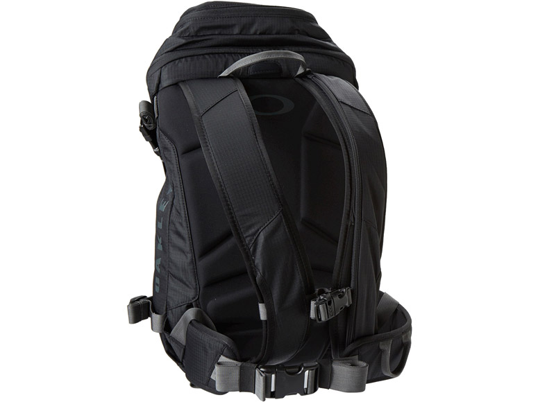 Oakley Snowmad 20 Ski Snow Backpack Pictures